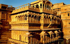 Holidays in Rajasthan, Rajasthan Tour, Rajasthan Tourism, Palace on Wheels Rajasthan Tour, Rajasthan Trip, Rajasthan Tour packages, places to visit in faridabad, best rajasthan tour packages,  rajasthan tourist places
